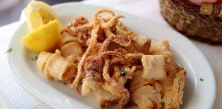 Kalamarakia crispy fried calamari