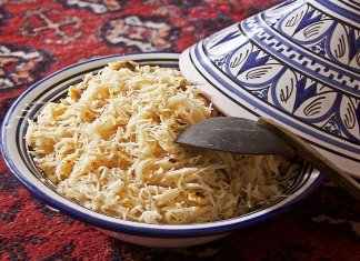Balaleet Emirati vermicelli and eggs breakfast