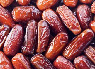 Dates tradition Emarati sweet fruit