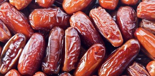 Dates tradition Emarati sweet fruit