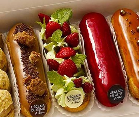 Éclair cream filled pastry