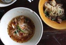 Kuaitiao Ruea boat noodles