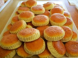 Melitinia Santorinian sweet cheese tartlets