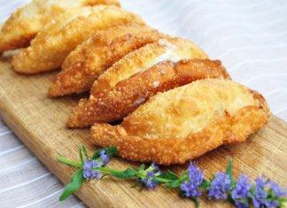 Pastel (fried Brazilian pastries)