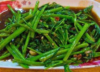 Phak Bung Fai Daeng stir fried morning glory