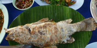Pla Pao salt-crusted grilled fish