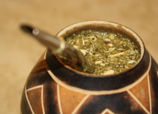Mate caffeine-rich beverage